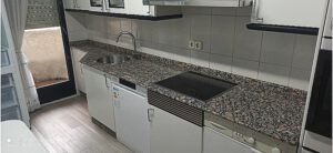 Cocina independiente en piso compartido en Ponferrada para estudiantes